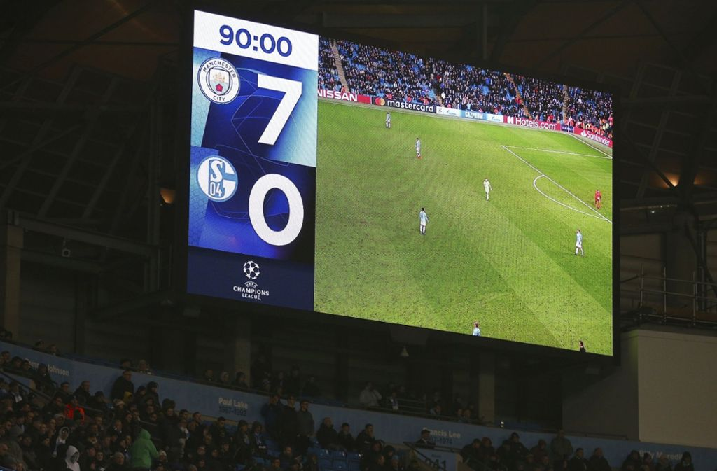 7:0 leuchtete es nach dem Abpfiff auf der Anzeigetafel in Manchester Foto: AP