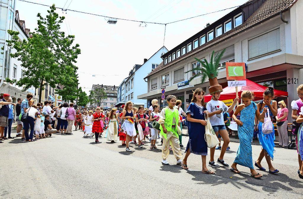 Der Umzug ist immer der Höhepunkt beim Kinderfest des Liederkranzes Möhringen gewesen. Foto: Archiv Lisa Wazulin