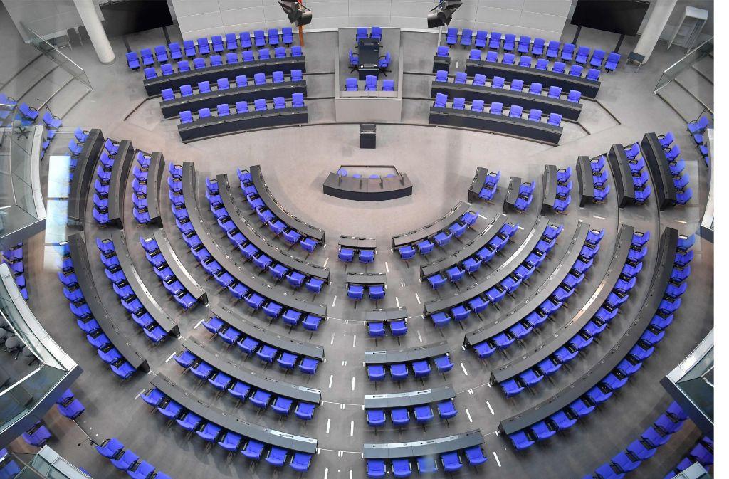 Wer sitzt links von der Alternative für Deutschland? Norbert Lammert erklärte, dass es die gleiche Sitzordnung wie bei der Bundesversammlung gäbe. Foto: AFP