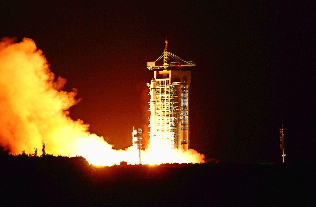 Die Rakete mit dem ersten Quantensatelliten ist im August 2016 in der chinesischen Stadt Jiuquan gestartet. Foto: AFP