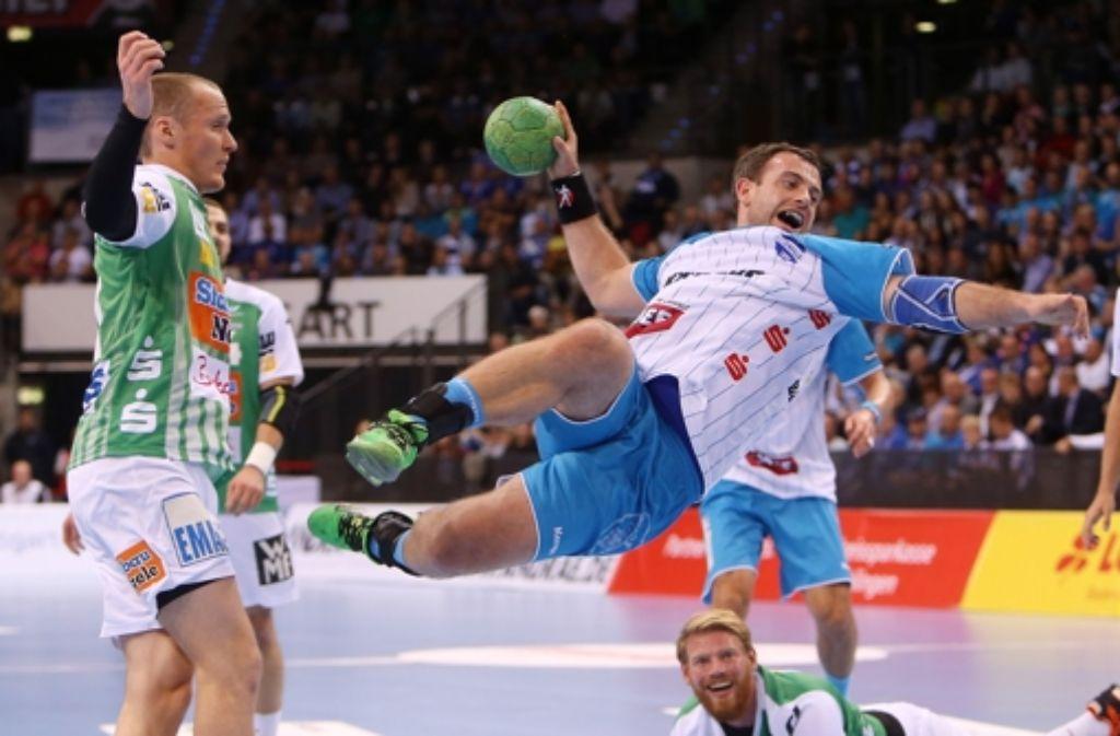 Simon Baumgarten in Aktion: 192 Zentimeter und 112 Kilogramm hinterlassen   bei jedem Gegner Eindruck. Foto: Pressefoto Baumann