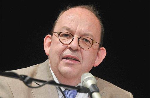 Literaturkritiker Scheck steigt ein