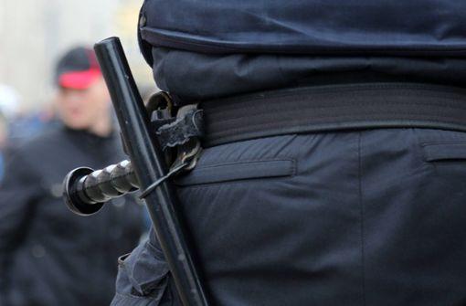 Gewerkschaft fordert Schlagstöcke für taktische Einheiten