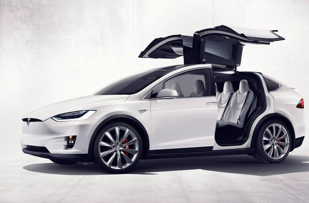 Den Tesla Model X soll Daimler bei Autovermieter Sixt für mehrere Wochen geliehen haben. Foto: TESLA MOTORS / HANDOUT