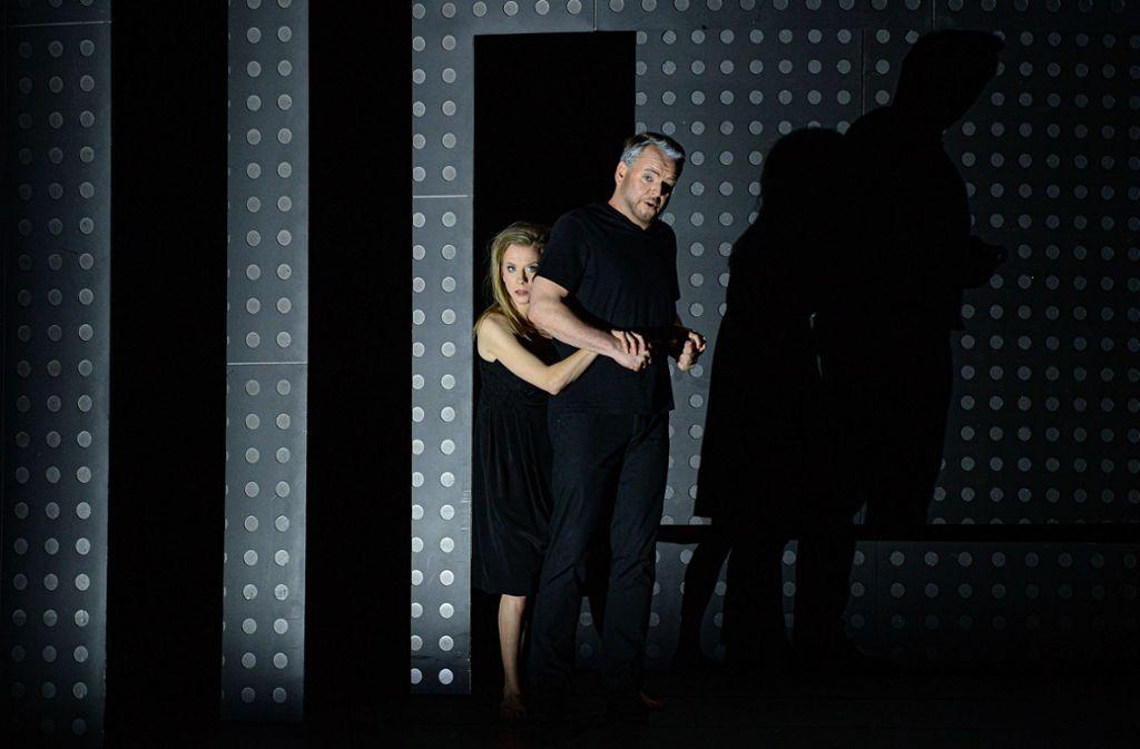 Astrid Kessler (Mélisande) und  Joachim Goltz (Golaud) Foto: Hans Jörg Michel