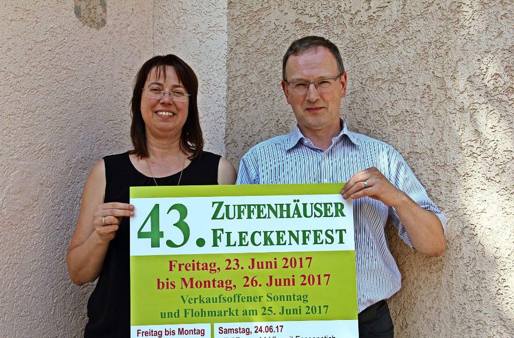 Jacqueline und Jendrik Schneider sind schon sehr gespannt, wie das 43. Fleckenfest über die Bühne gehen wird. Foto: Bernd Zeyer