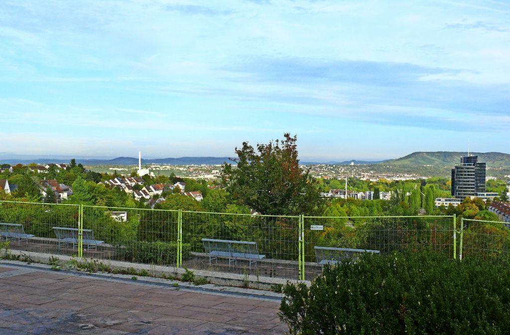 Von der Stresemannstraße bietet sich eine tolle Aussicht – viele Menschen hätten dort gerne wieder ein Lokal. Foto: Petra Mostbacher-Dix (Archiv)