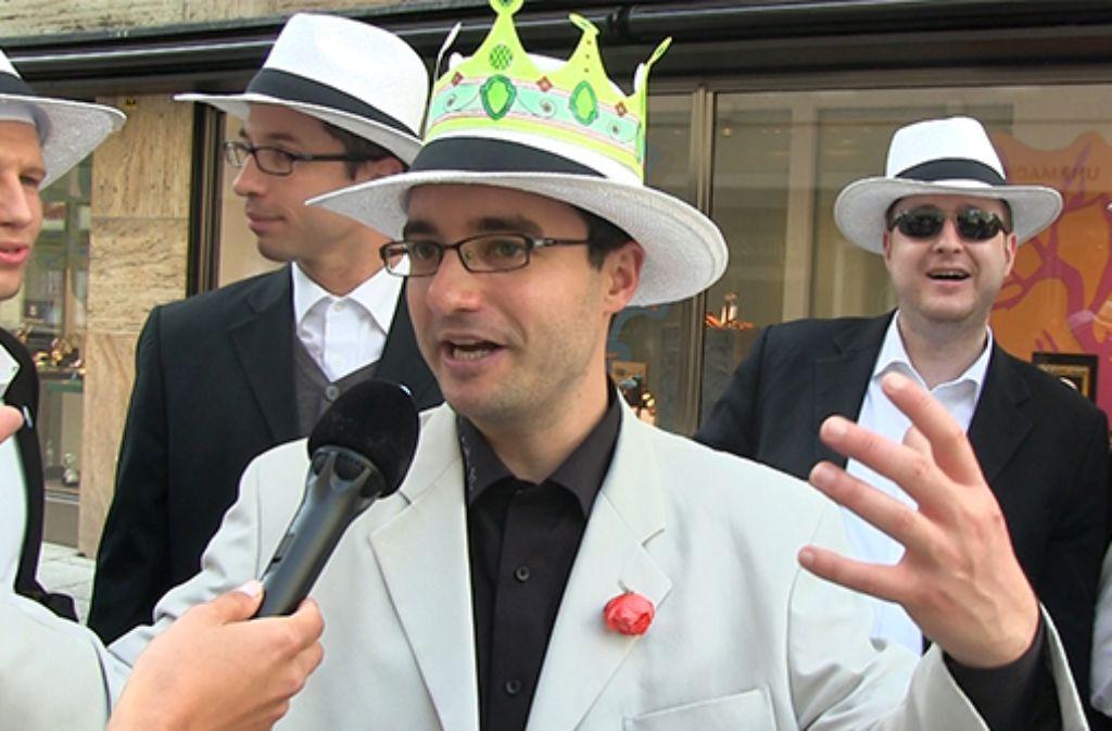 König mit Pappkrone: Was würden die Stuttgarter anpacken, wenn sie für einen Tag Herrscher über das Schloss und den ganzen Rest der Landeshauptstadt wären? Foto: Screenshot
