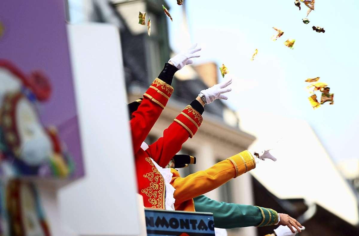 Die Stadt Köln hat die Feiertage rund um Karneval für ihre Mitarbeiter zu regulären Arbeitstagen erklärt. (Symbolbild) Foto: dpa/Oliver Berg