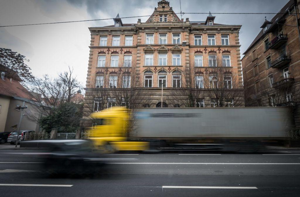 Die Hauptstätter Straße könnte in Zukunft tabu sein für Euro-5-Diesel. Foto: Lichtgut/Achim Zweygarth