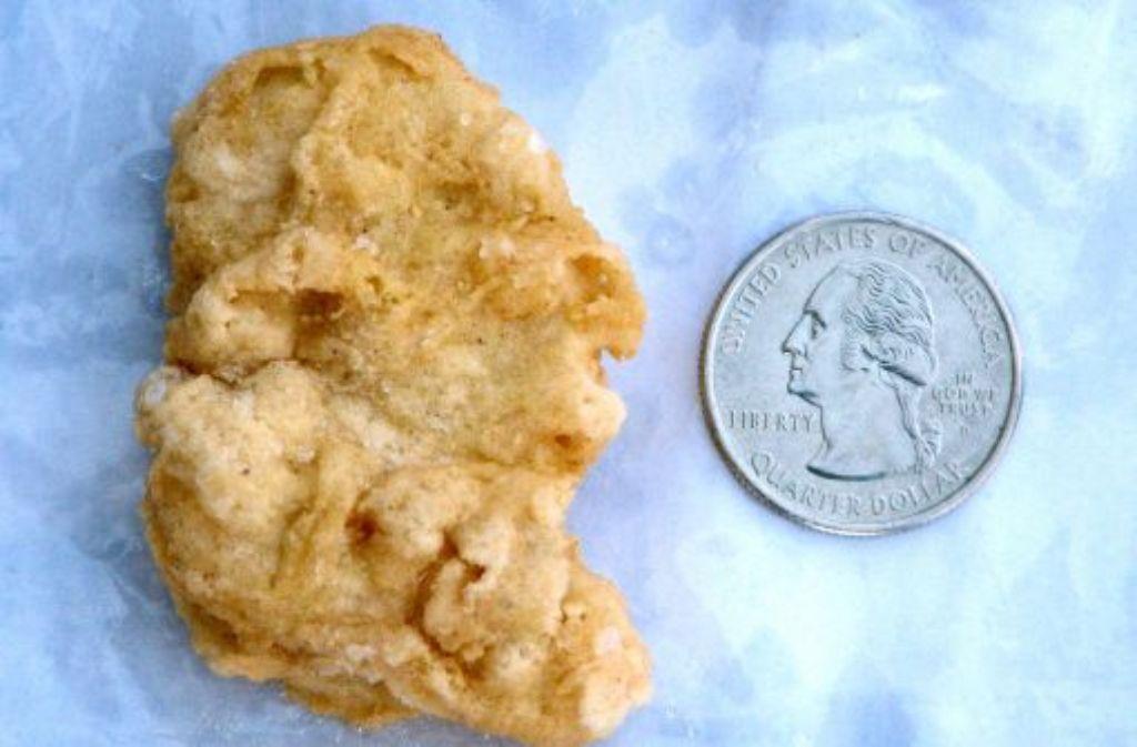 In diesem drei Jahre alten Chicken McNugget will Rebekah Speight George Washington erkannt haben. Sie versteigerte das Hähnchenstück für einen guten Zweck bei Ebay - und bekam über 6000 Euro dafür. Foto: Sioux City Journal