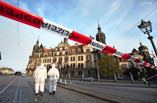 Noch keine heiße Spur –  Polizei vermutet vier Täter