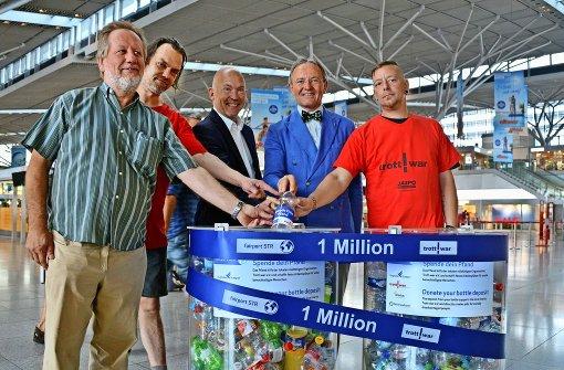 Pfandflaschenmillionäre am Flughafen
