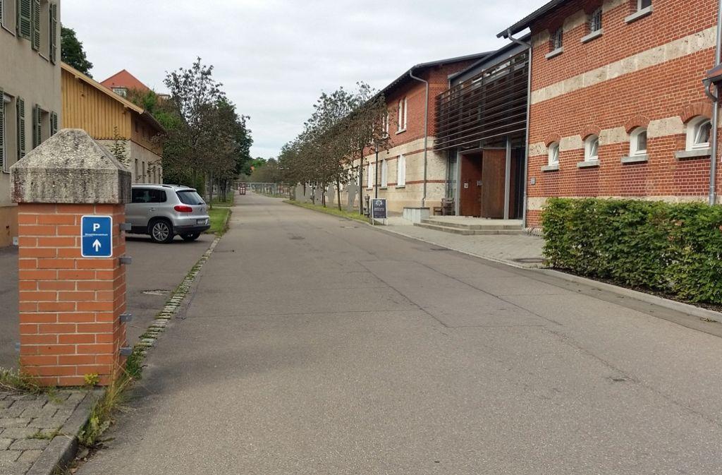 Im Eingangsbereich des Alten Lagers befindet sich das Biosphärenzentrum Schwäbische Alb (rechts im Bild). Foto: Rebecca Baumann