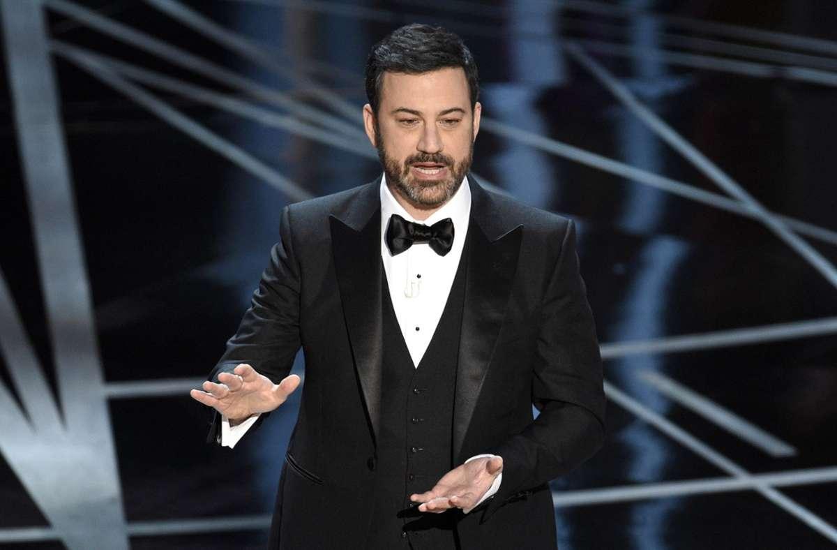 Jimmy Kimmel und weitere US-Talkshow-Moderatoren kommentierten die Inauguration bei Twitter. (Archivbild) Foto: dpa/Chris Pizzello