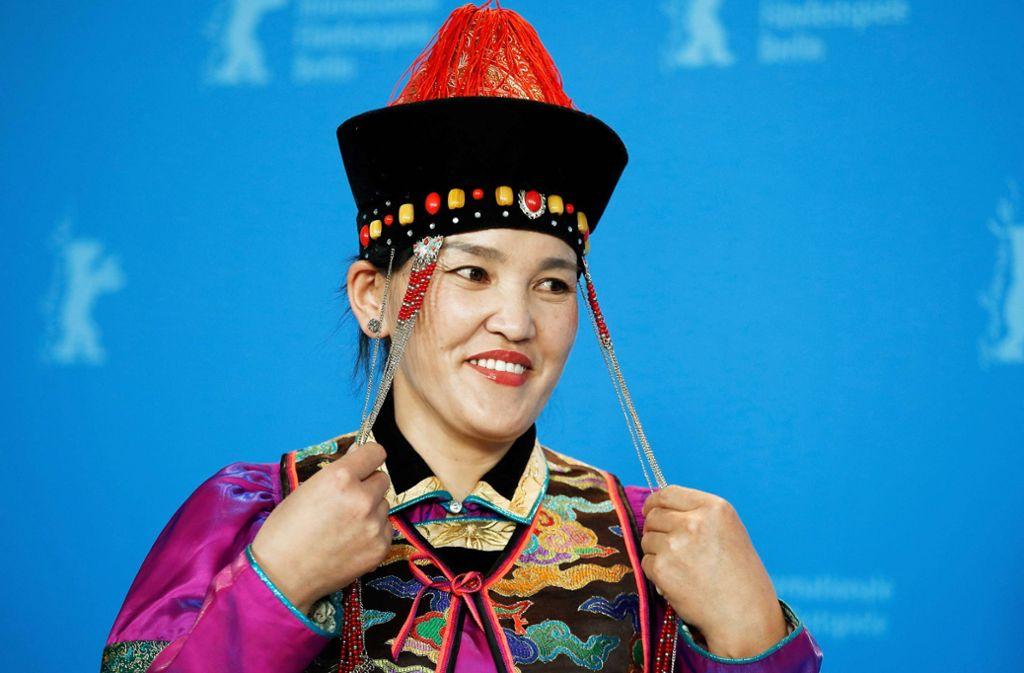 Sie spielt ein mongolisches Cowgirl, das weiß was es will: die Schauspielerin Dulamjav Enkhtaivan kann auf einen Silbernen Bären hoffen Foto: AFP