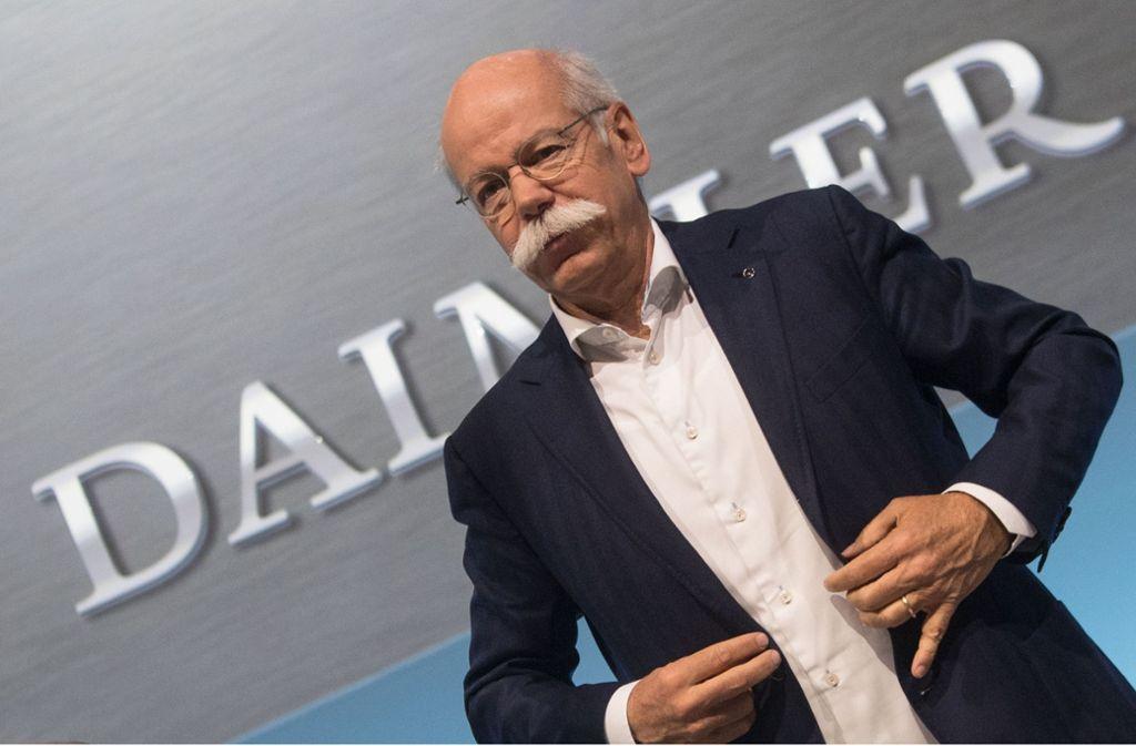 """Daimler-Chef Dieter Zetsche und der Betriebsrat kritisieren die Liste """"Zentrum Automobil"""". Foto: dpa"""