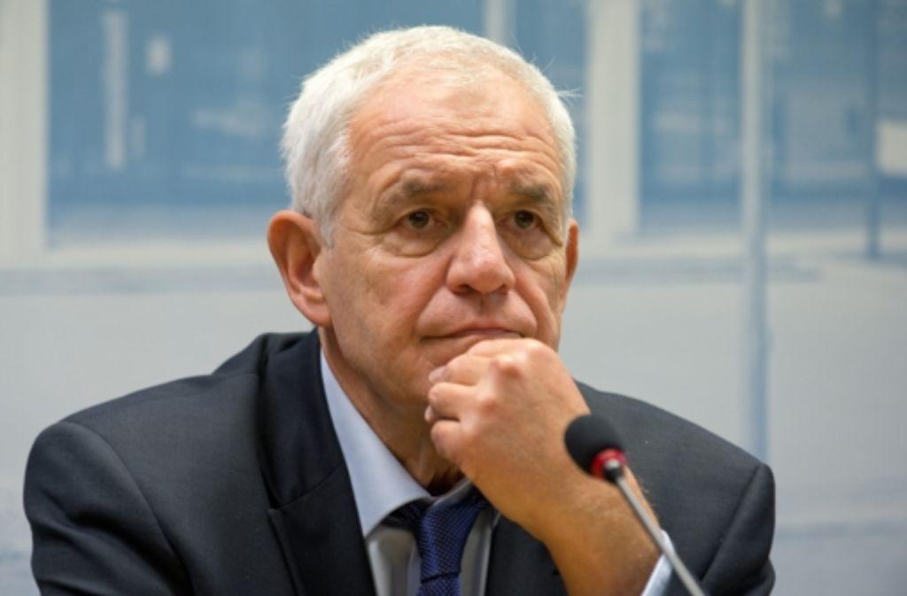 Rainer Stickelberger zeigt sich verärgert. Foto: dpa