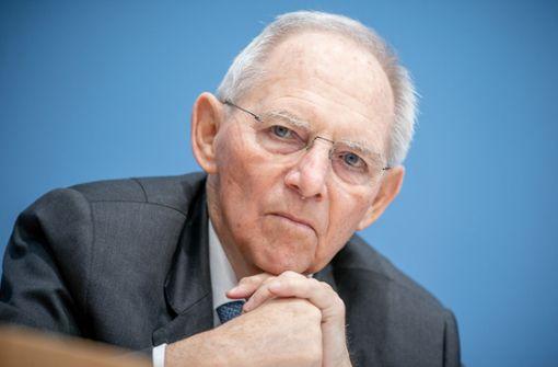 Schäuble will Merz wählen