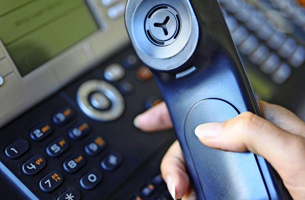 Per Telefon versuchen Betrüger,  gutgläubige Opfer zu finden. Foto: dpa