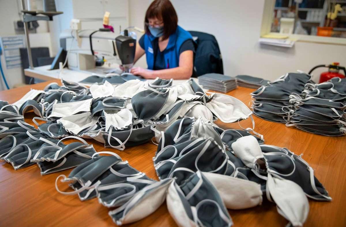 Viele Firmen, die in die  Maskenproduktion  eingestiegen sind, setzen dauerhaft auf das Produkt. Foto: picture alliance/dpa