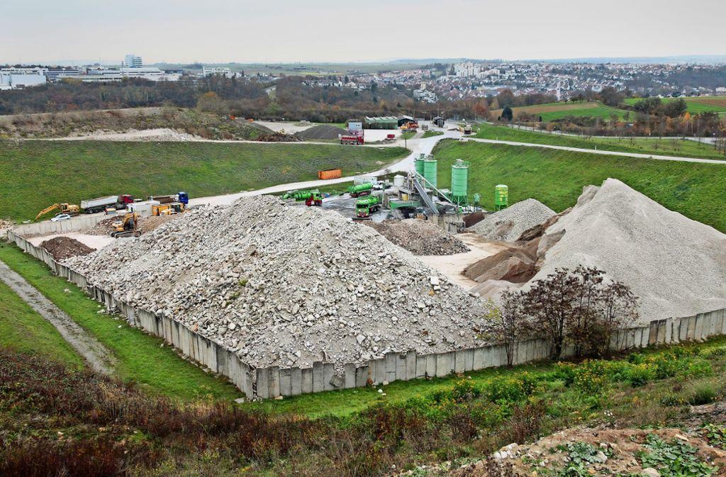 Auf der Deponie Froschgraben in Schwieberdingen wird viel Erdaushub aus Stuttgart angeliefert. Foto: factum/Granville