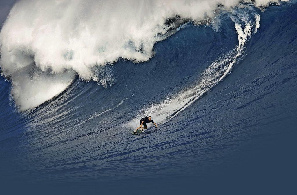 Die Riesenwelle namens Jaws vor Hawaii war die erste, die Sebastian Steudtner je gesurft hat. Foto: red