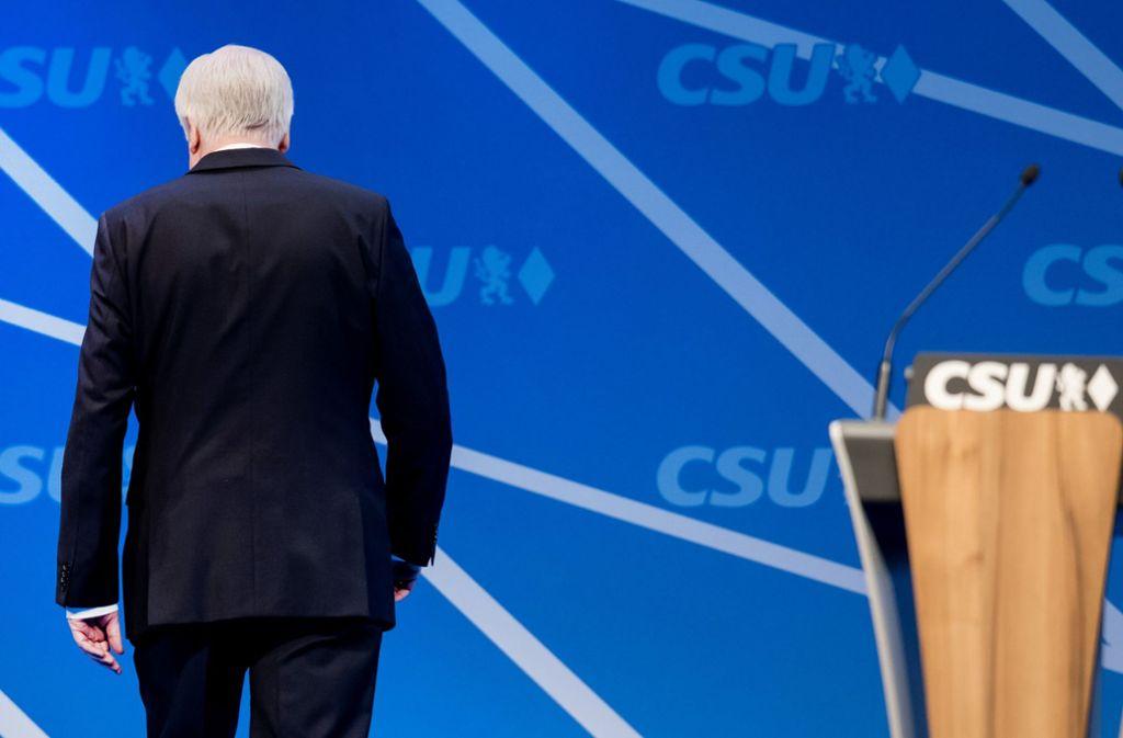 Zeit, dass Horst Seehofer geht, findet Politikredakteur Norbert Wallet. Foto: dpa
