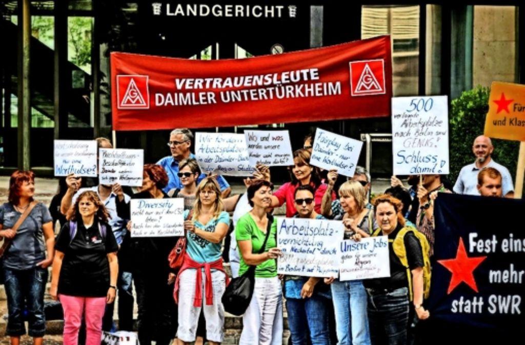 Daimler-Buchhalter haben Ende Juli das Interesse am  Streit zwischen Daimler und dem SWR genutzt und beim  Gerichtstermin auf ihre Sorgen aufmerksam gemacht. Foto: IG Metall
