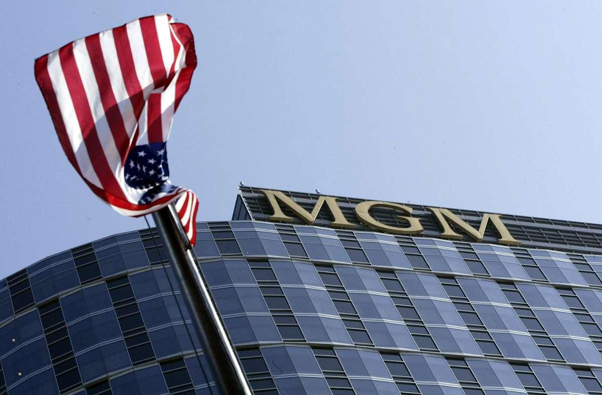 Vor dem Hauptsitz von MGM in Kalifornien (Archivbild). Foto: AFP/ROBYN BECK