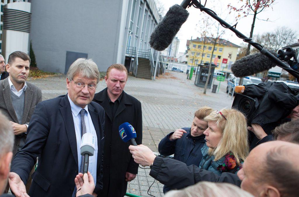 Jörg Meuthen, Fraktionschef der Partei im Stuttgarter Landtag, versuchte, den den Ausschluss der Öffentlichkeit vom AfD-Parteitag in Kehl zu rechtfertigen. Foto: dpa