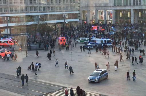 Massenschlägerei auf dem Alexanderplatz