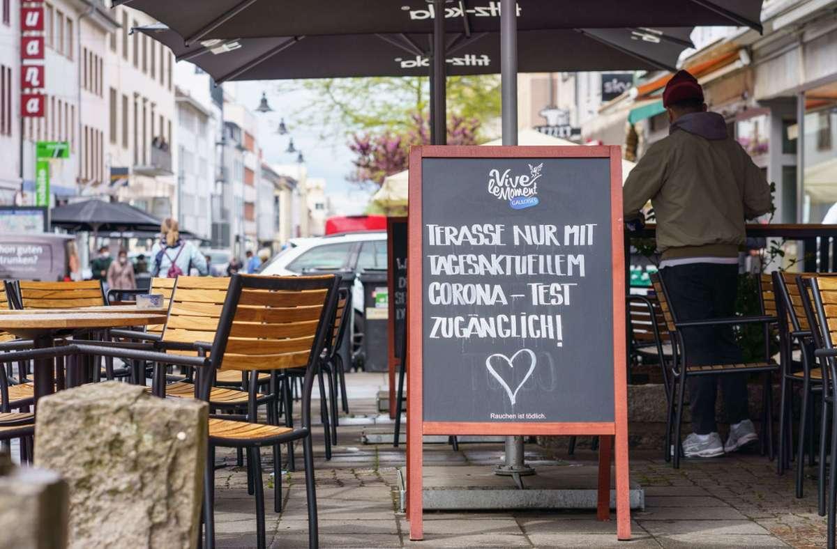 Die ersten Gaststätten in Baden-Württemberg haben wieder geöffnet. (Symbolbild) Foto: dpa/Frank Rumpenhorst