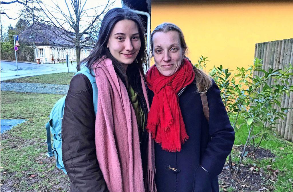 Darya Zaytseva (li.) und Anna Gershuni sind beide gebürtig aus der Ukraine. Zwar gebe es auch dort einige Initiativen und Menschen, die sich für Umwelt- und Klimaschutz einsetzten, doch das Bewusstsein sei geringer als hier, sagen sie. Foto: Julia Bosch