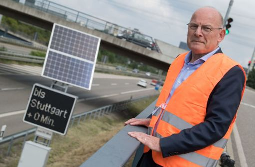 LED-Tafeln zeigen zwischen Stuttgart und Tübingen Fahrtzeit an
