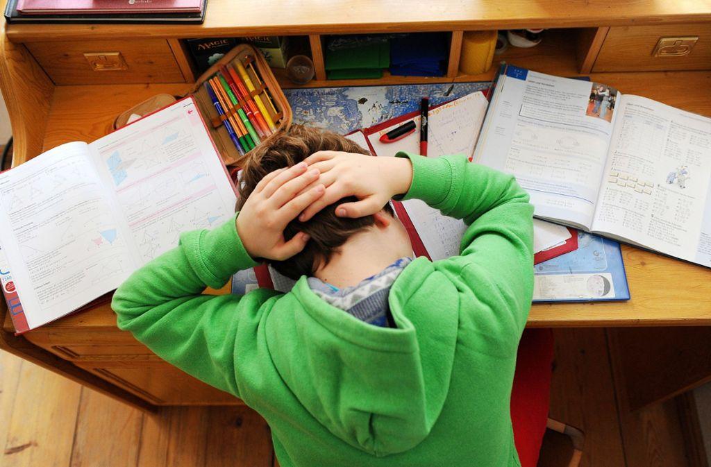 Schüler leiden vermehrt unter Kopfschmerzen. Foto: dpa