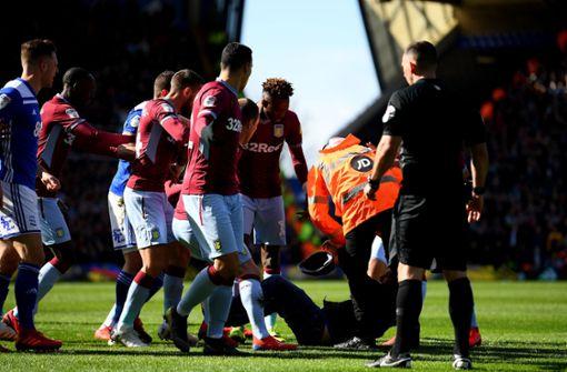 Fan gesteht brutale Box-Attacke auf Villa-Spieler