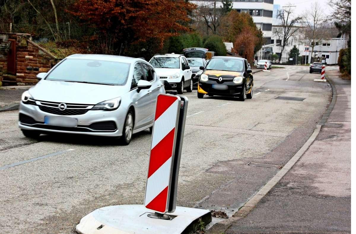 Sogar im  Lockdown und sonntags ist viel los auf der Stuttgarter Straße in Unteraichen. Foto: Natalie Kanter