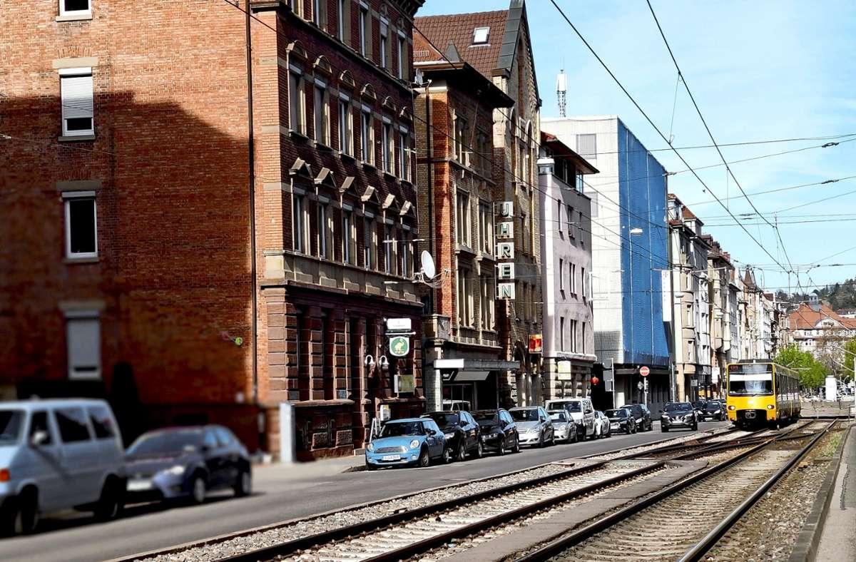 Gleise teilen die Böblinger Straße in zwei Hälften. Foto: Kathrin Wesely