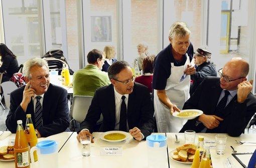 Der Minister freut sich über die Mittagspause