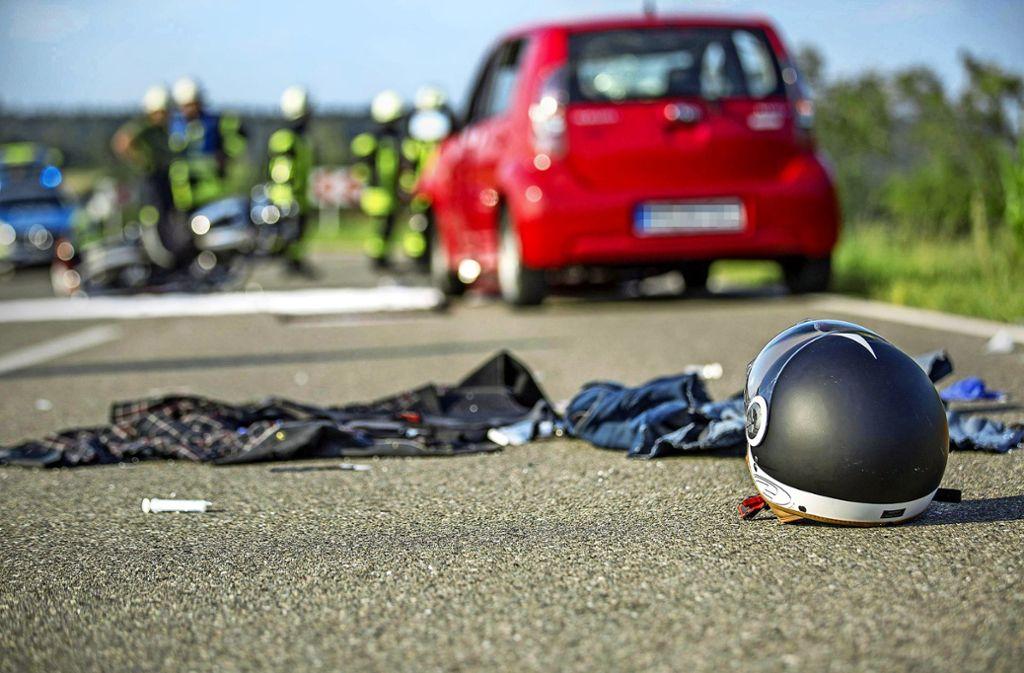 Überhöhte Geschwindigkeit und mangelnde Selbsteinschätzung sind nach der Einschätzung des Fahrlehrerverbands die häufigsten Unfallursachen. Foto: 7aktuell/Simon Adomat