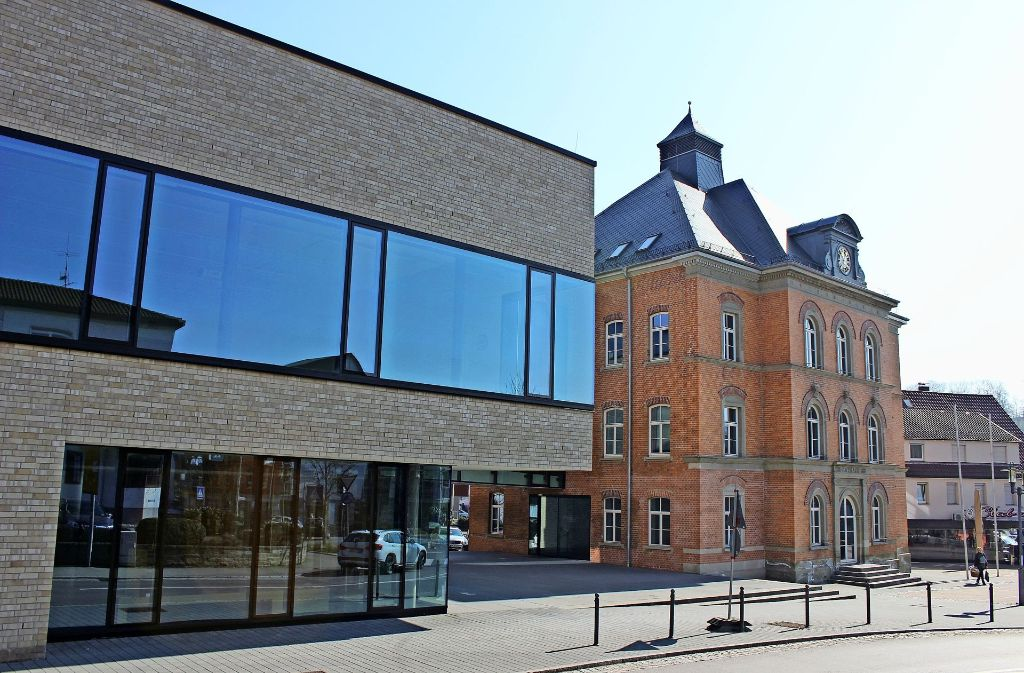 Im kommenden Sommer erhält die Ebersbacher Verwaltung einen neuen Chef, wer das sein wird, entscheiden die Wähler in einem zweiten Wahlgang. Foto: Pascal Thiel