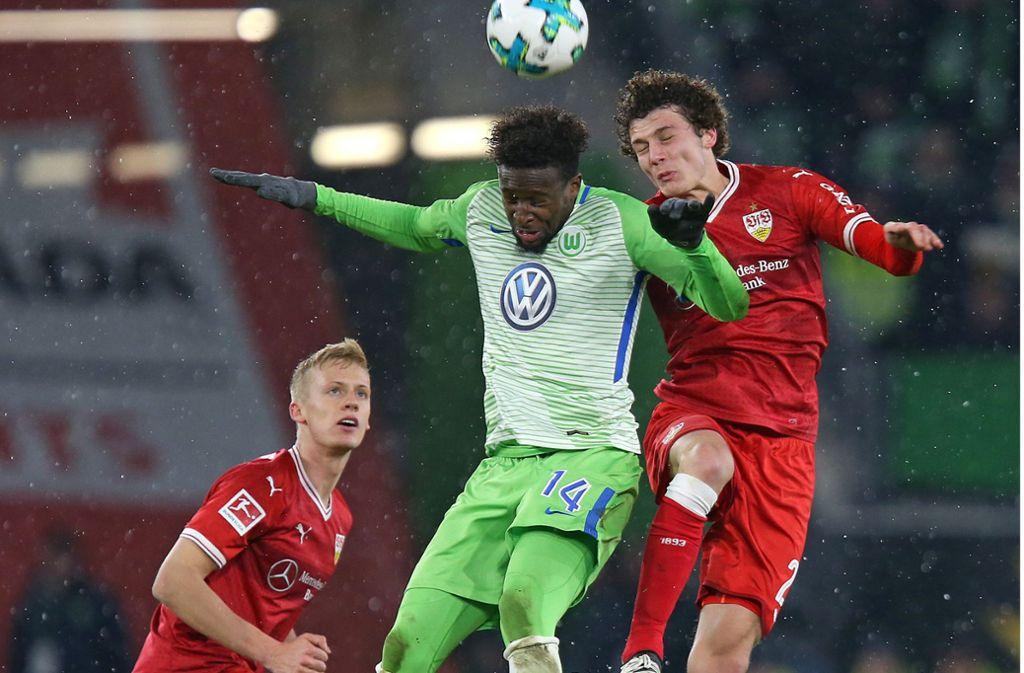 Mit Timo Baumgartl (li.) und Benjamin Pavard (r.) in der Abwehr ist der VfB Stuttgart seit 336 Minuten ohne Gegentor. Foto: Pressefoto Baumann