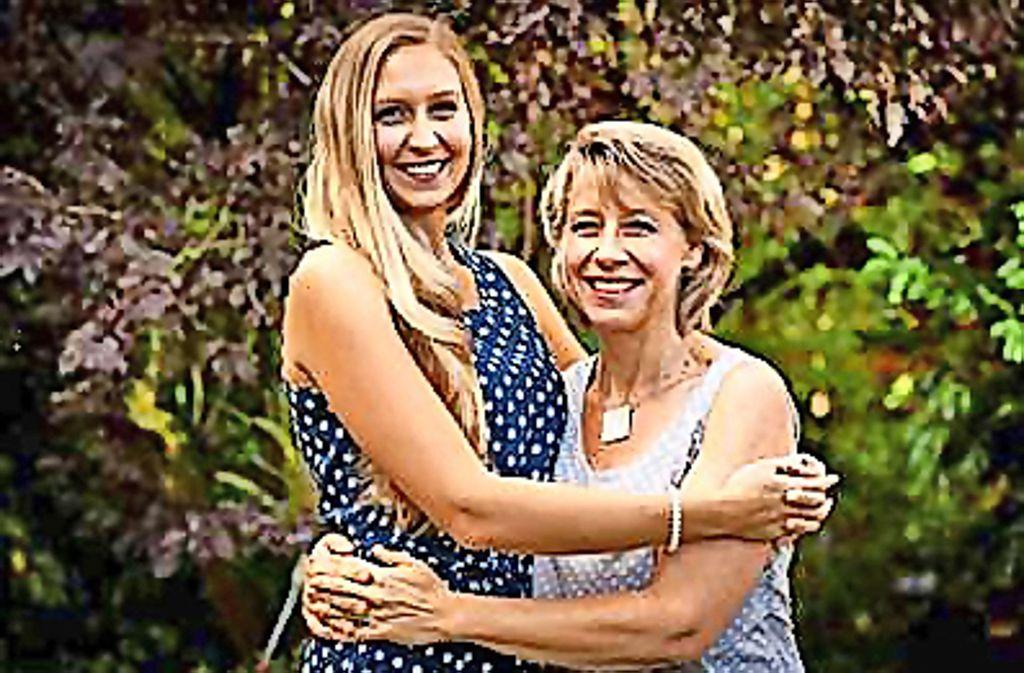 """Diana (links) und Claudia Hartauer  aus Ebersbach sind das Mutter-Tochter-Duo von """"Manns Enkeltochter"""". Foto: privat"""