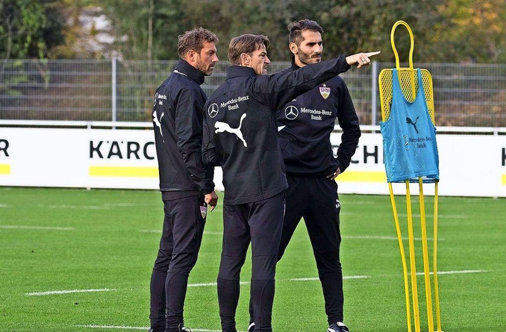 Halil Altintop (re.) arbeitet unter der Leitung von VfB-Cheftrainer Markus Weinzierl. Foto: VfB