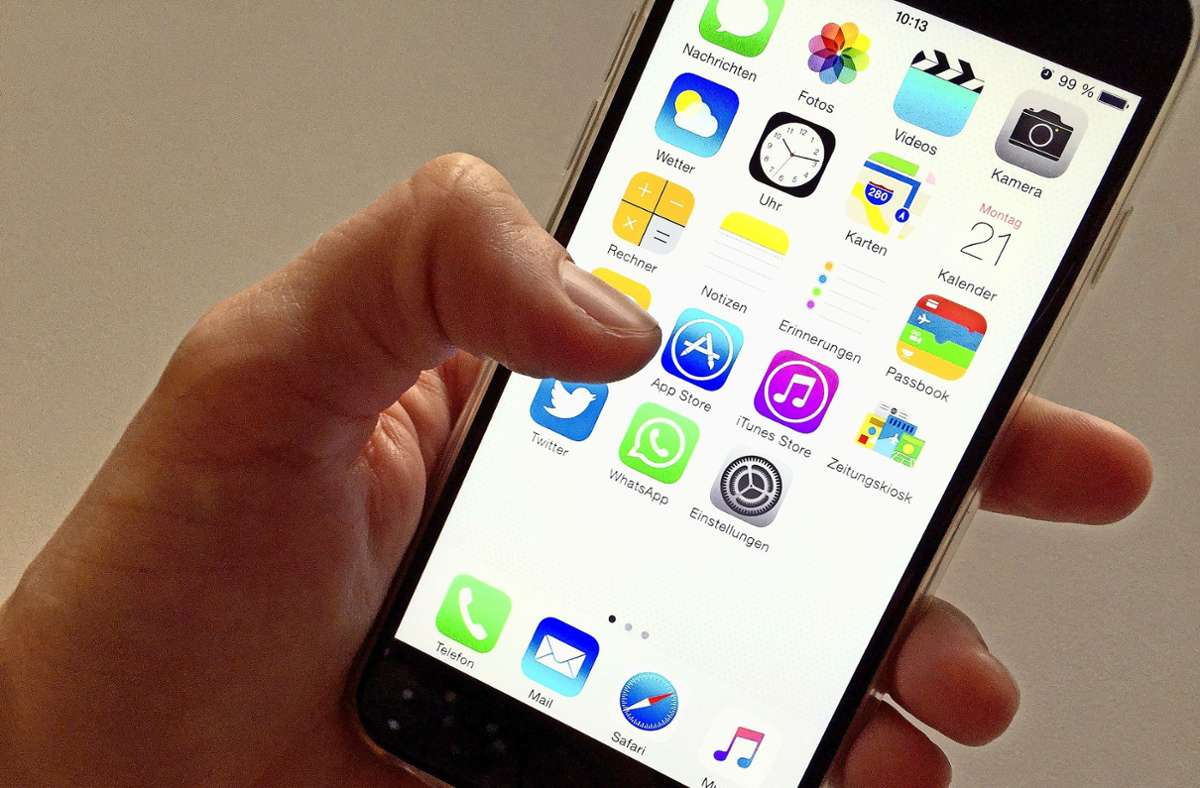 Eine App gegen Tinnitus und eine gegen Angststörungen werden von den Kassen bezahlt. (Symbolbild) Foto: dpa/Alex Heinl