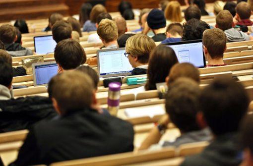 Vom Hörsaal in die Berufsausbildung