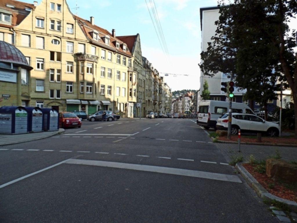 Der Straßenabschnitt würde dank Tempolimit attraktiver  für die Bewohner im Viertel. Auch den Geschäftsleuten käme das  zugute, meint die SPD  im Bezirksbeirat. Foto: Kathrin Wesely