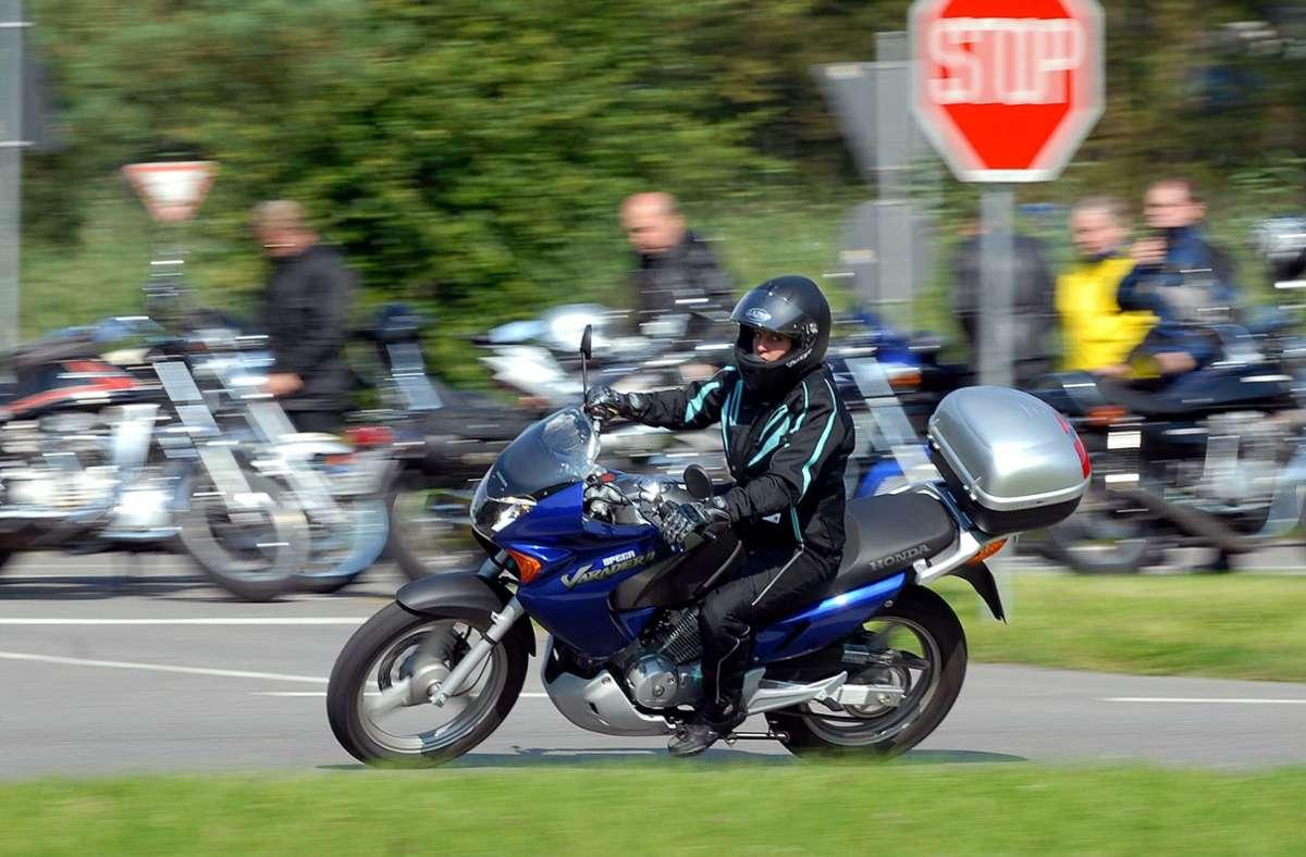 Die  Polizei will Biker  für die Gefahren beim Motorradfahren sensibilisieren. Foto: Kreiszeitung Böblinger Bote/Simone Ruchay-Chiodi (Archiv)