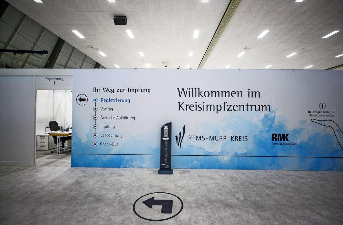 Im Kreisimpfzentrum in Waiblingen könnte man den täglichen Durchlauf verdoppeln – wenn genügend Impfstoff geliefert würde. Foto: Gottfried Stoppel